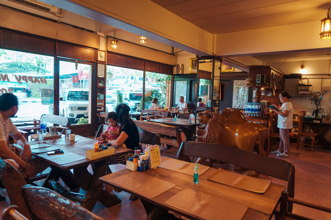 The interior of DR. STEAK restaurant in Ang Thong