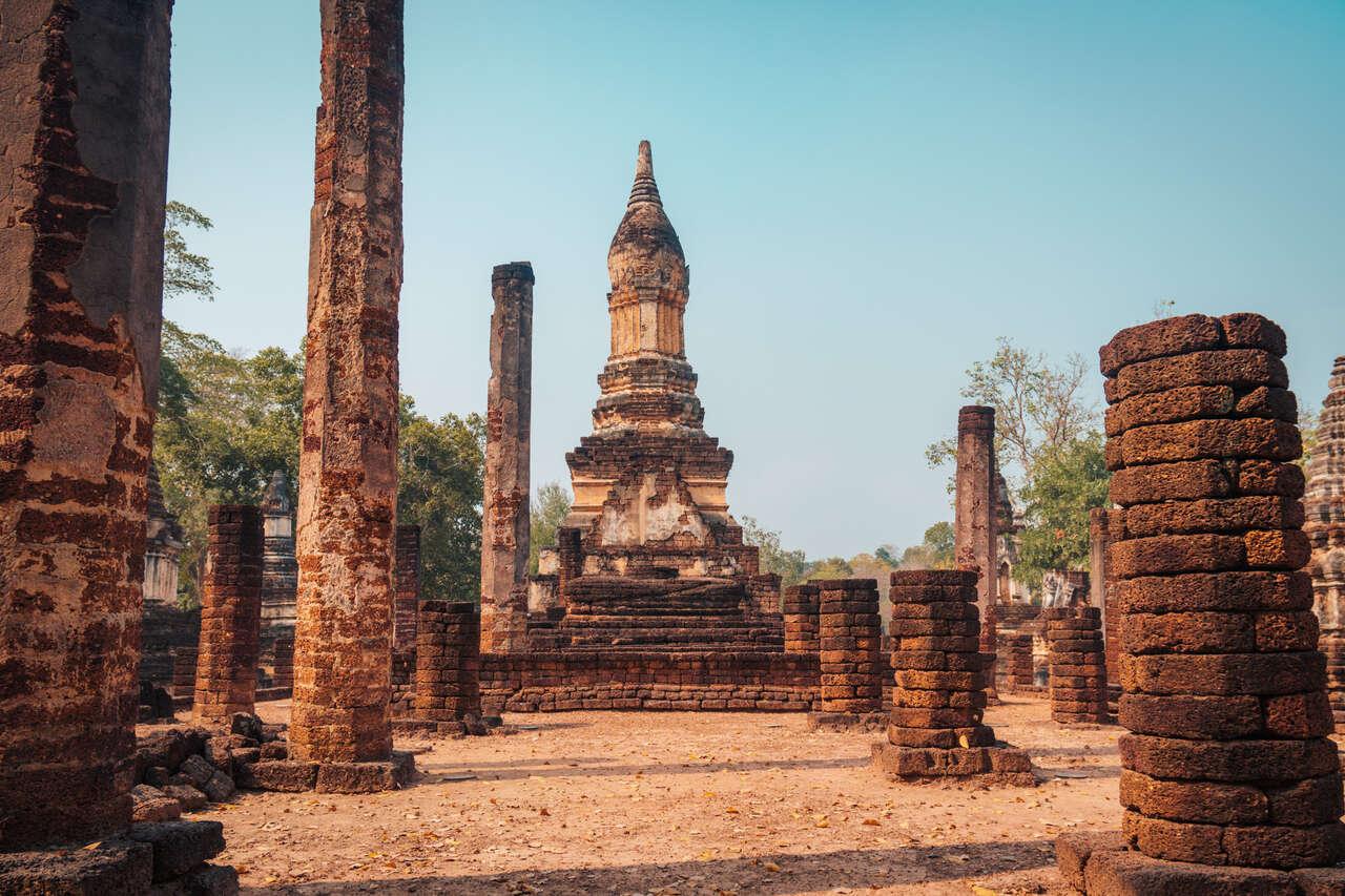 The large main pagoda of Wat Chedi Chet Thaew at Si Satchanalai, Thailand.