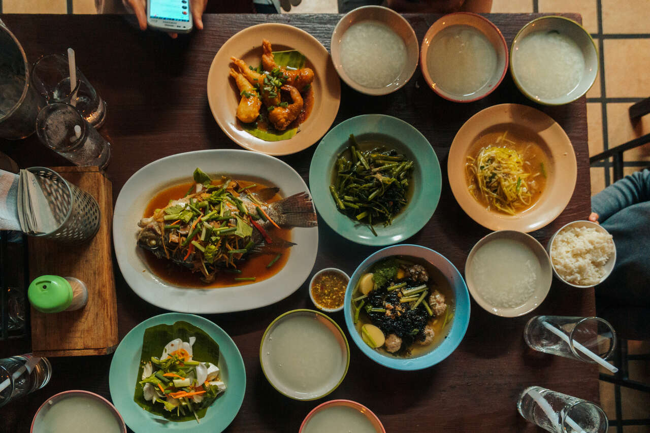 All the dishes you can order at Aroy One Baht Restaurant in Lampang, Thailand.