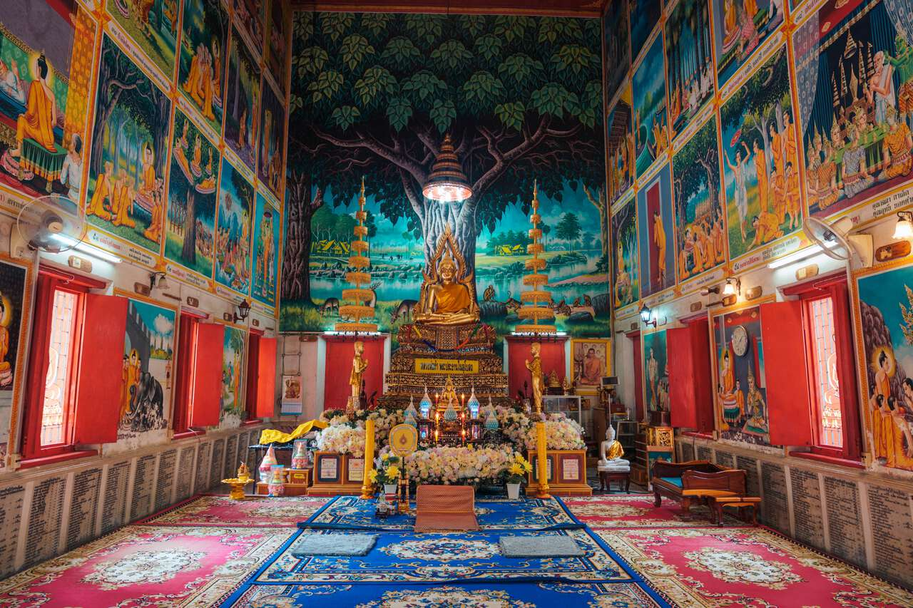 A smaller prayer hall at Wat Ton Son in Ang Thong