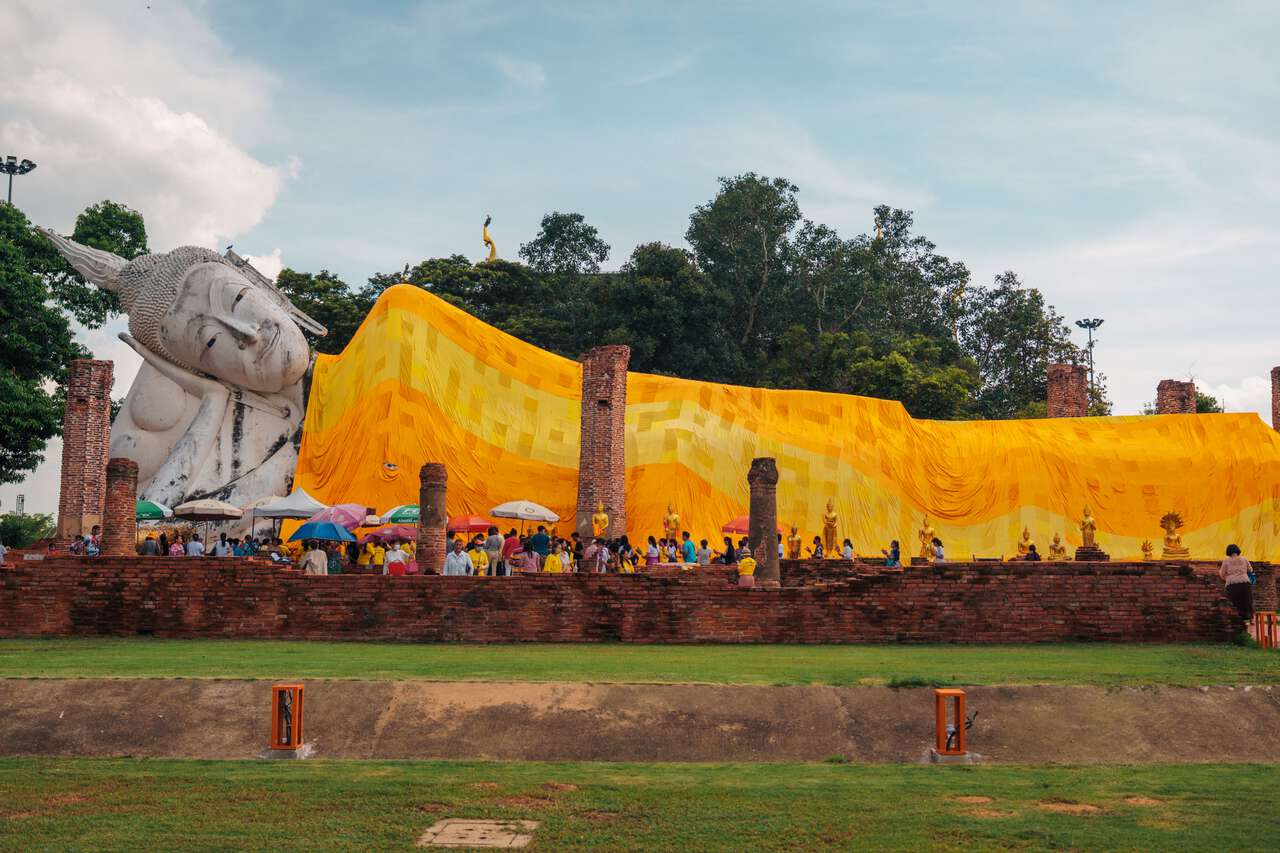 The reclining Buddha at Wat Khun Inthapramun in Ang Thong