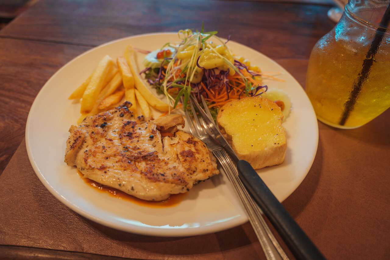 A chicken steak at DR. Steak Restaurant in Ang Thong.